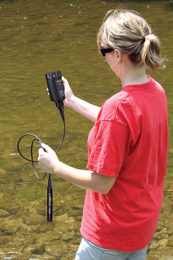 communicating with a levelogger in the field using a levelogger 5 app interface