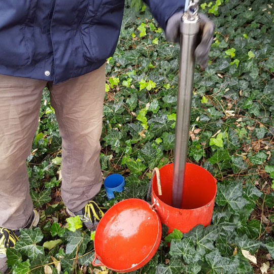 solinst bladder pumps for groundwater samples